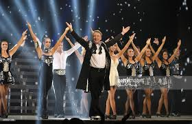 Curtain Call Theatre Michael Flatley And Cast Bow At The Curtain Call During The Gala Of Picture Id466621336