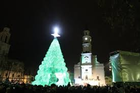 Christmas Tree Made Of Christmas Lights - this 40 foot christmas tree is made of 40 000 recycled plastic