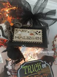 Halloween Tree With Ornaments by Priscillas Halloween Tree
