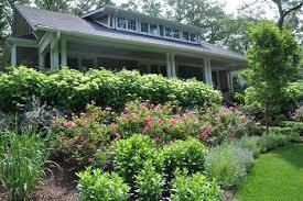 Sloped Front Yard Landscaping Ideas - sloped front yard landscaping and gardening solution small home