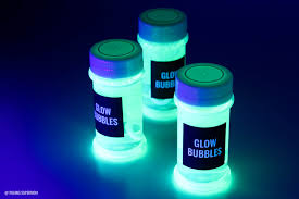 liquids that glow under black light diy glow bubbles for blacklight party cheap easy recipe