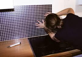 plaque autocollante cuisine ordinaire mosaique adhesive pour salle de bain 5 carrelage