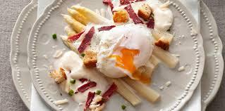 cuisiner les asperges blanches nos meilleures recettes de printemps aux asperges blanches femme