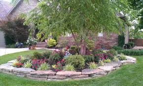 Landscaping Around House by Of House Landscaping Around House Ideas On Pinterest Driveway
