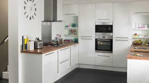 cuisine blanche plan de travail bois charmant cuisine blanche plan de travail gris et cuisine blanche
