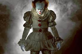 what is pennywise the clown from it who plays him in the 2017