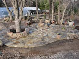 how to choosing flagstone patio with trees and lands plus mini