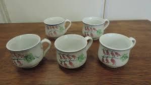 pot de chambre de la tasses forme pot de chambre anciennes brocanta