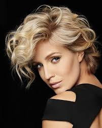 a medium blonde hairstyle from the women collection for fall