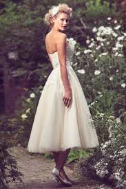 Vintage Ball Gown Strapless Tulle Wedding Dress With Detachable Strapless Sweetheart Simple Ball Gown Tulle Tea Length Wedding
