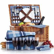 wine picnic basket vonshef 4 person wicker picnic basket set with flatware and