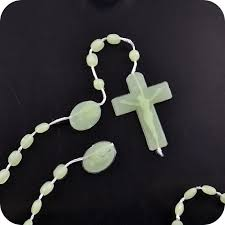 glow in the rosary cheap catholic glow in the rosary necklace
