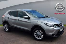 nissan qashqai glyn hopkin used nissan qashqai cars for sale in ealing west london motors