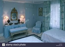 Blaues Schlafzimmer Soft Furnishings Curtains Silk Stockfotos U0026 Soft Furnishings