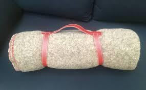 plaids en laine grand plaid gris chiné en 100 laine naturelle avec liens de