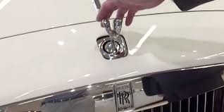 the rolls royce spirit of ecstasy disappear in an instant