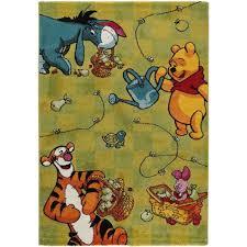 tapis de chambre winnie l ourson disney tapis enfants winnie l ourson vert 140x200 cm tapis pour