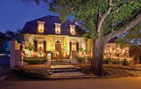 Decorating Windows With Wreaths For Christmas by
