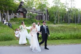 a light of love wedding chapel nathalie love and daniel pappas s wedding off the coast of maine vogue