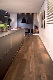 plancher cuisine bois salle de bain sur plancher bois carrelage imitation parquet cuisine