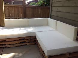 Diy Outdoor Sectional Sofa The 25 Best Pallet Sectional Ideas On Pinterest Pallet Bench