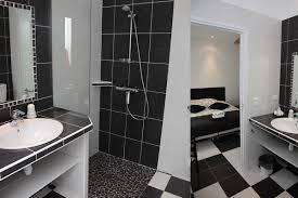 salle d eau dans chambre chambres d hotes avec salle de réunion famille séminaire