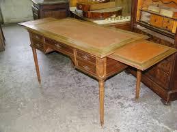 les de bureau anciennes changement de look pour bureau plat louis xvi atelier de l