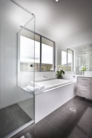 Gray And White Bathroom Ideas by Best 25 White Large Bathrooms Ideas On Pinterest Master Shower