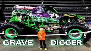 grave digger 30th anniversary monster truck grave digger monster jam stewartv youtube