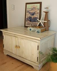 Distressed White Table How To Distress Furniture How Tos Diy