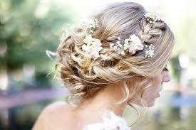 hair for wedding 12 wedding hairstyles for curly hair mywedding