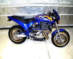 photo of custom painted motorcycle bike by paintworkz