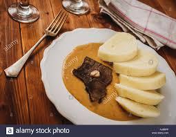 cuisine tcheque cuisine tchèque filet de boeuf et de légumes sauce boulettes et