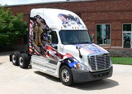 15 cars and trucks with patriotic paint jobs of red white u0026 blue