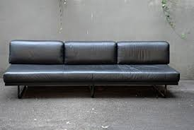 sofa lc 5 by le corbusier charlotte perriand and pierre jeanneret
