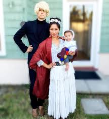 halloween costume for family funny family halloween costumes popsugar moms