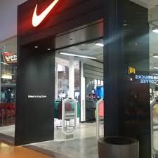 nike factory store black friday nike factory store 60 photos u0026 74 reviews shoe stores 4557