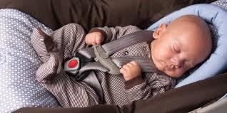 siege auto bebe qui se tourne se servir d un siège auto comme lit de bébé