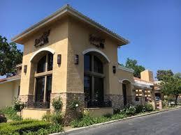 Barnes And Noble Ventura Blvd Open And Shut Stonefire Grill To Open In Ventura