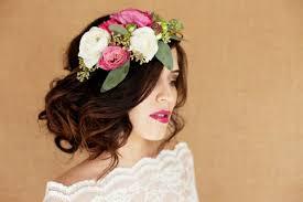 fleurs cheveux mariage coiffure mariage cheveux longs et mi longs en 62 idées