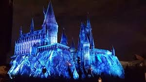 harry potter night light the hogwarts castle lit up for the christmas light show picture