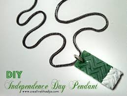 diy independence day pendant