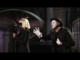 Sia Singing Chandelier Live Sia Chandelier Live Snl With Captions