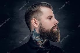 imagenes tatuajes cuello hombre de barba hipster con tatuaje en el cuello fotos de stock