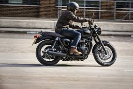 triumph t120 bonneville recalled over throttle that might stick