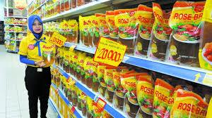 Minyak Filma 2 Liter di hypermart plaza mulia semua minyak goreng 2 liter hanya seharga