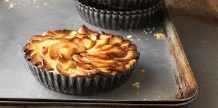 cuisine tarte aux pommes tarte aux pommes sans pâte pas cher recette sur cuisine actuelle