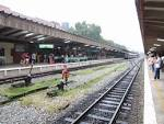 Railway_platforms_and_lines_at.
