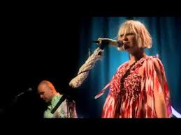 Sia Singing Chandelier Live Sia Chandelier Live At Howard Show 2014