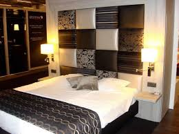 Decorate Small Bedroom King Size Bed Small Apartment Bedroom Ideas Simple Interior Design Decorating